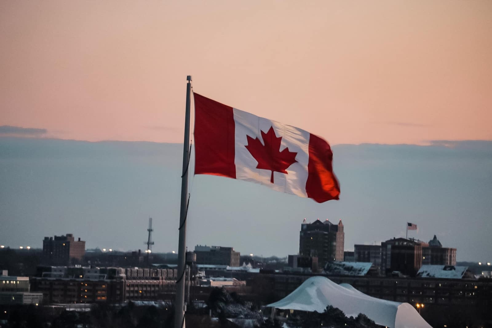 How to Add a Small Company in Quebec